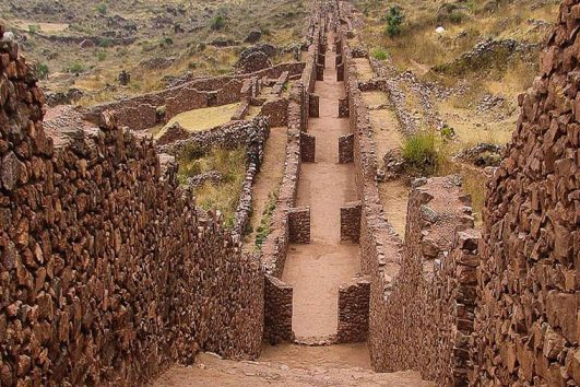 Our South Valley Tour Cusco takes you to discover little known jewels combined with beautiful natural landscapes, Inca architecture and the pre - Incan Wari.