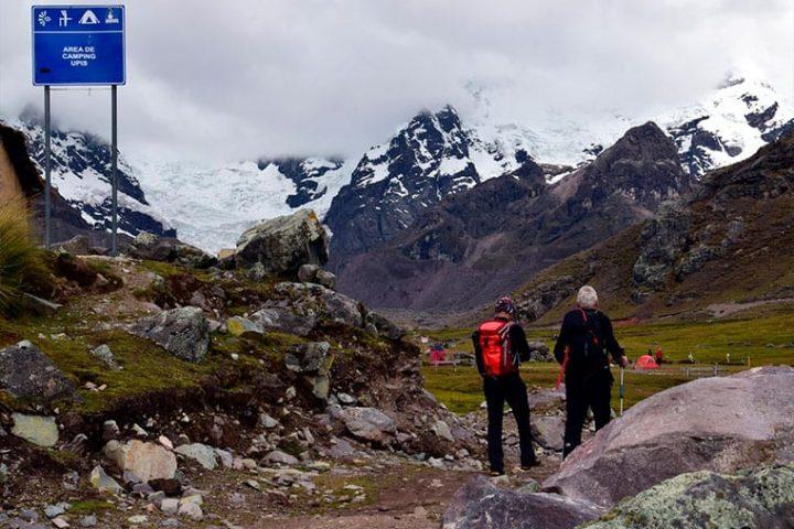 Ausangate trek to Vinicunca Rainbow mountain
