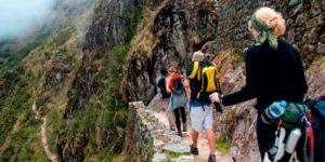 tourist hiking along the inca trail