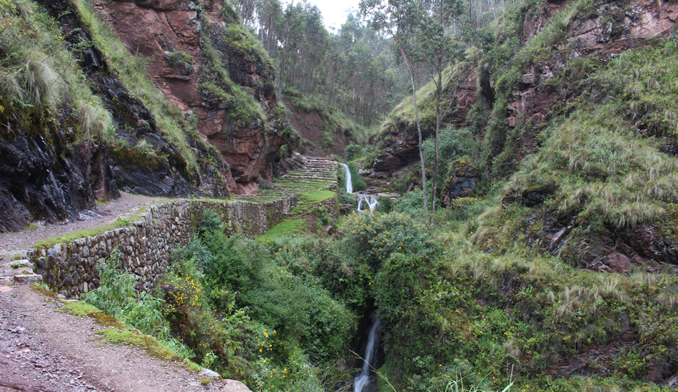 Chinchero hike to the sacred valley - Inca path